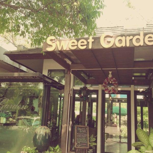 Photo taken at Sweet Garden by Simiza ^. on 2/16/2014