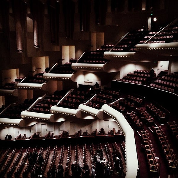Photo taken at Louise M. Davies Symphony Hall by Chris M. on 11/9/2012