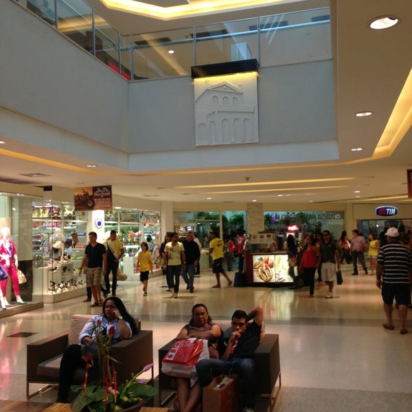 Photo taken at Shopping Recife by Sergio on 8/10/2013