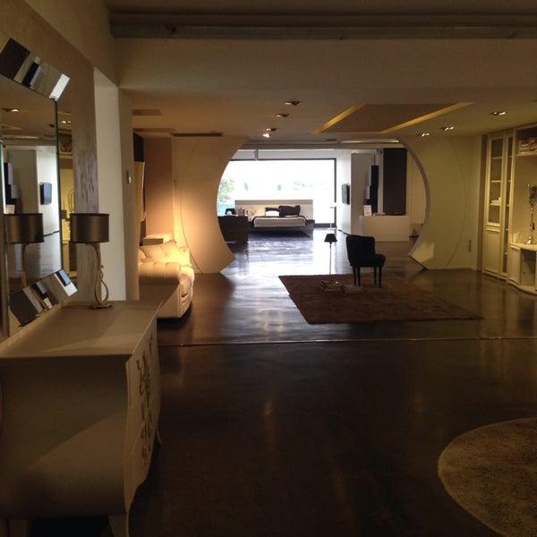Foto di Lops mobili - Negozio di arredamento / Casalinghi in ...