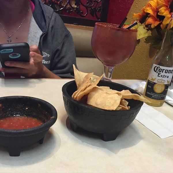 Foto tomada en Fiesta Martin Mexican Grill por Concept H. el 6/30/2015