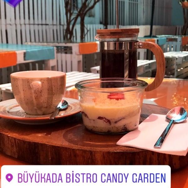 7/1/2017에 Gökhan D.님이 Büyükada Bistro Candy Garden에서 찍은 사진