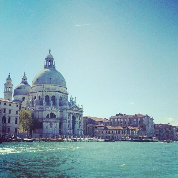 Where's Good? Holiday and vacation recommendations for Venice, Italy. What's good to see, when's good to go and how's best to get there.