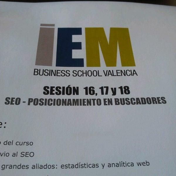 Foto tomada en IEM Business School por Lorena el 3/27/2014