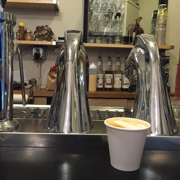 Photo taken at Ghost Alley Espresso by Elizabeth F. on 5/24/2016