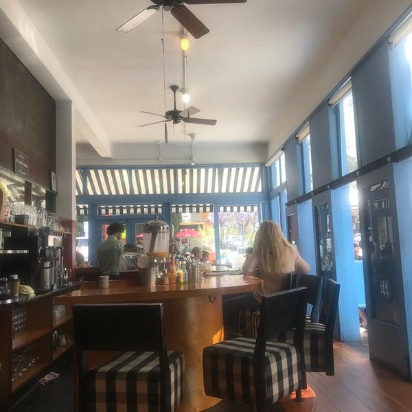 รูปภาพถ่ายที่ Harbor Breakfast โดย Elizabeth F. เมื่อ 5/11/2017