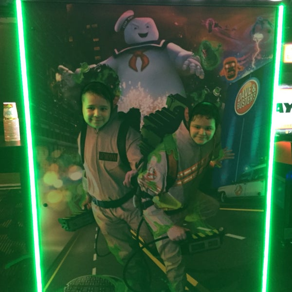 Photo taken at Dave & Buster's by Ernesto H. on 7/20/2016