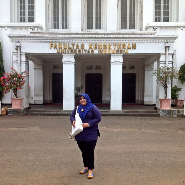 Photo taken at Fakultas Kedokteran Universitas Indonesia by Aini A. on 10/13/2013