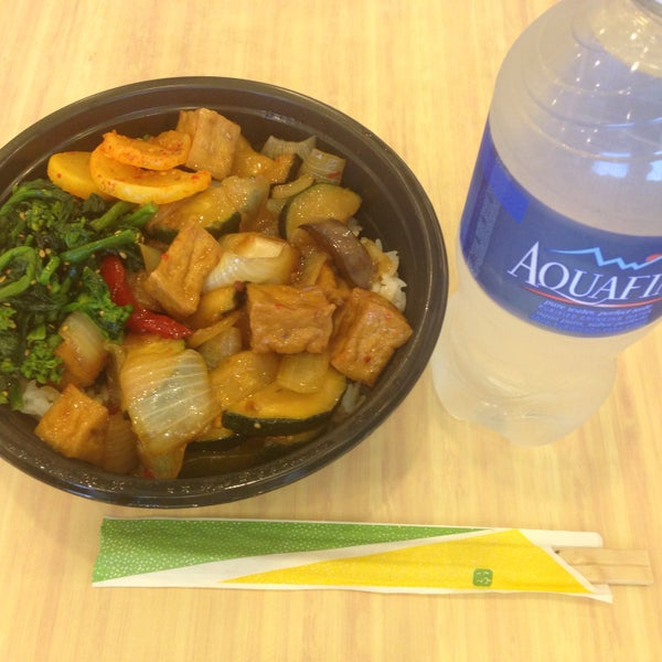 Photo taken at Campus Center Food Court by Yoshihiro M. on 9/28/2015