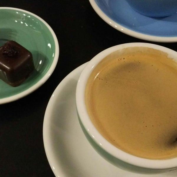 Снимок сделан в First Point Espresso Bar пользователем Antonina U. 3/24/2018