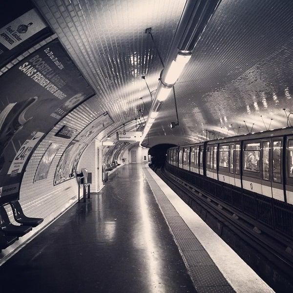 Photo taken at Métro Étienne Marcel [4] by Fabien B. on 8/25/2014