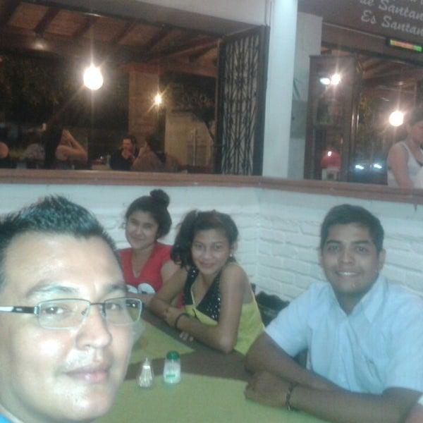 Foto tomada en Restaurante Tony por Andres J. el 6/7/2014