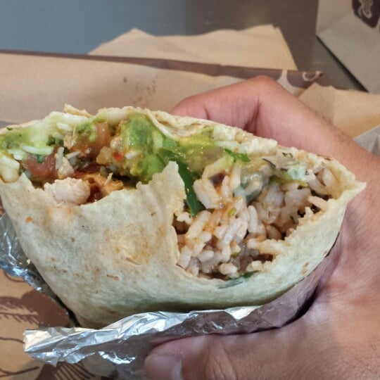 Photo taken at Chipotle Mexican Grill by Angky B. on 8/19/2013