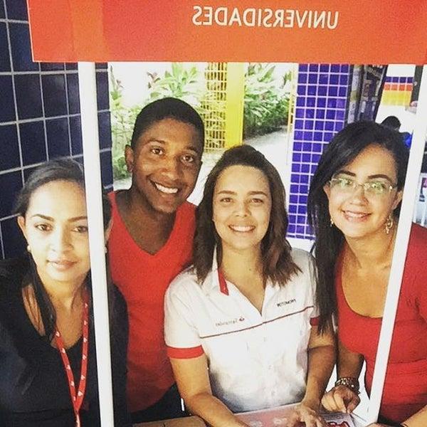 Foto diambil di UNINASSAU - Centro Universitário Maurício de Nassau oleh Deivson X. pada 9/21/2016