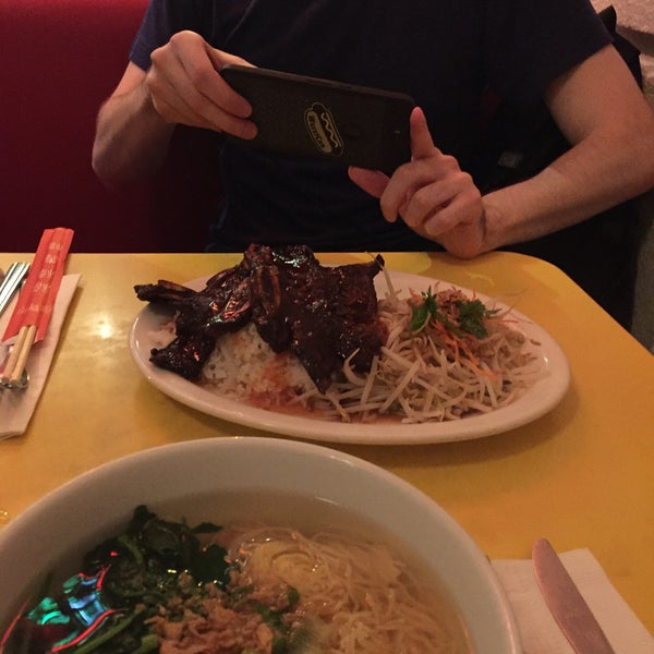 Photo taken at Mooncake Foods by Callum M. on 5/25/2016