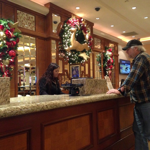 Photo taken at Gold Coast Hotel & Casino by Roselle D. on 12/29/2016