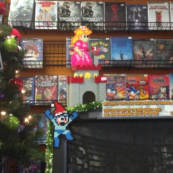 Photo taken at Game Over Videogames by Mando on 11/29/2013