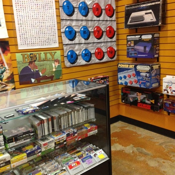 Photo taken at Game Over Videogames by Mando on 6/12/2014