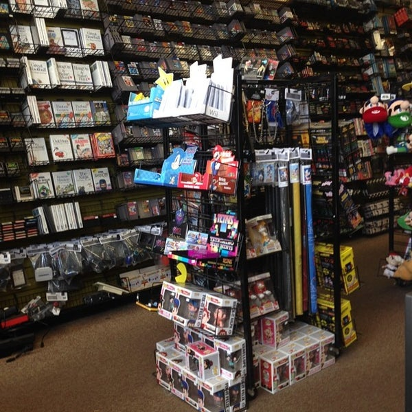 Photo taken at Game Over Videogames by Mando on 7/4/2014
