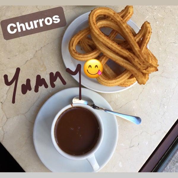 Снимок сделан в Churrería Los Artesanos 1902 пользователем Yasemin 1/27/2018