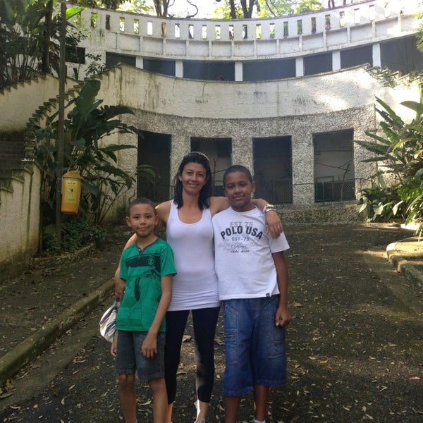Photo taken at Parque das Hortênsias by Alexandre d. on 8/4/2013