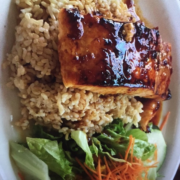 Delicious food with generous serving & very reasonably priced. Salmon rice, Beef rice & chicken wings are must try! Been there twice. Will be back again!