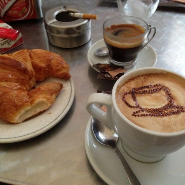 Foto tomada en Cafè el Trifàssic por JpueyoS el 9/15/2013