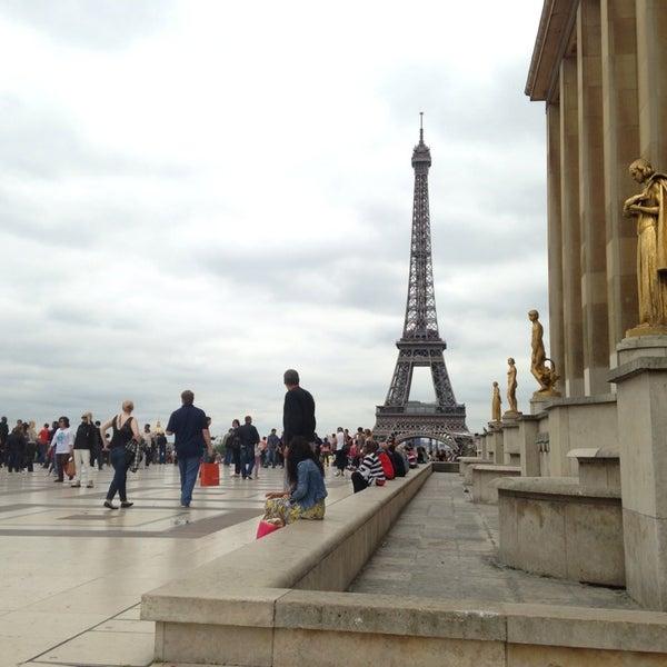 Photo prise au Place du Trocadéro par Özlem A. le9/22/2013