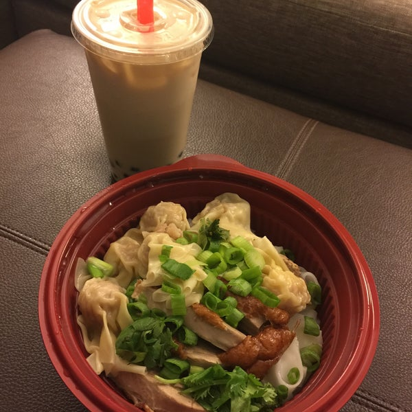 Photo taken at Teo Chow Noodle Shack by Jessica N. on 9/4/2015