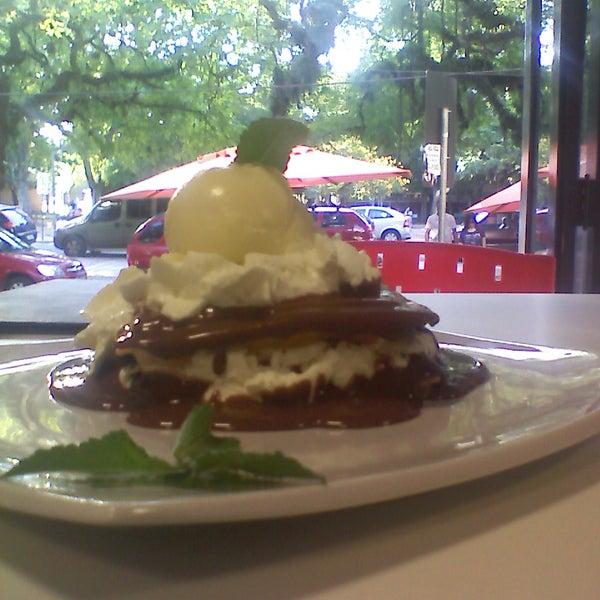 Provem o waffle da foto (não lembro exatamente o nome!), mas lembro que era bom.