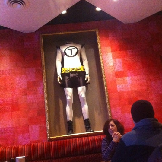 Foto tomada en Galactic Pizza por Patrick K. el 10/26/2012