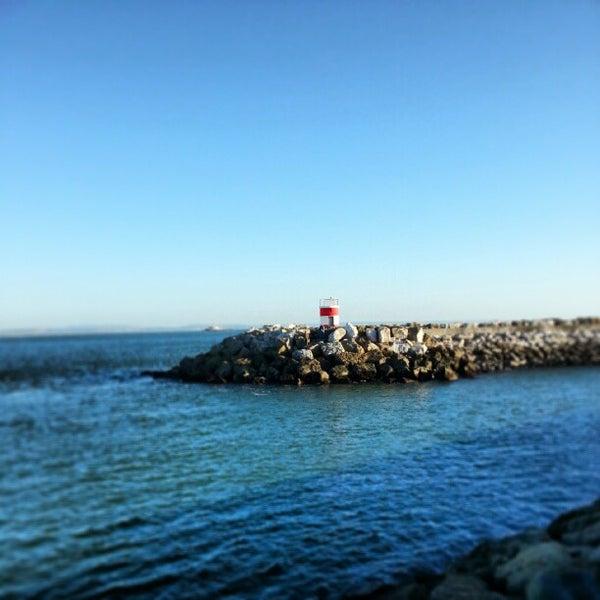 Foto tirada no(a) Porto de Recreio de Oeiras por Jose Carlos S. em 2/7/2013