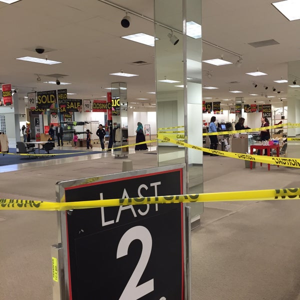 Macys Outlet Chicago: Closed (Now Closed)