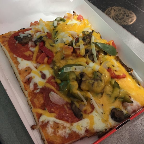 305 pizza - Miami International Airport - 6 tips