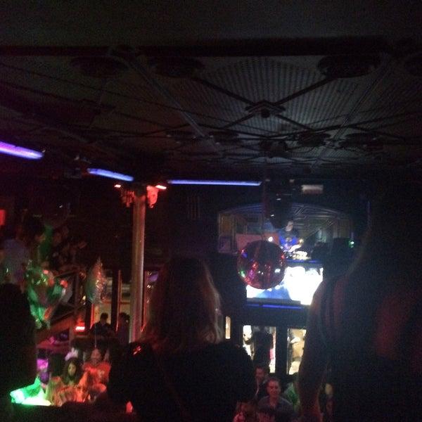 Club nocturno polaco morena