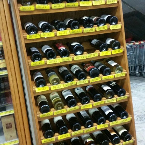 Photo taken at Supermercados Nazaré by Ronaldo A. on 6/21/2017