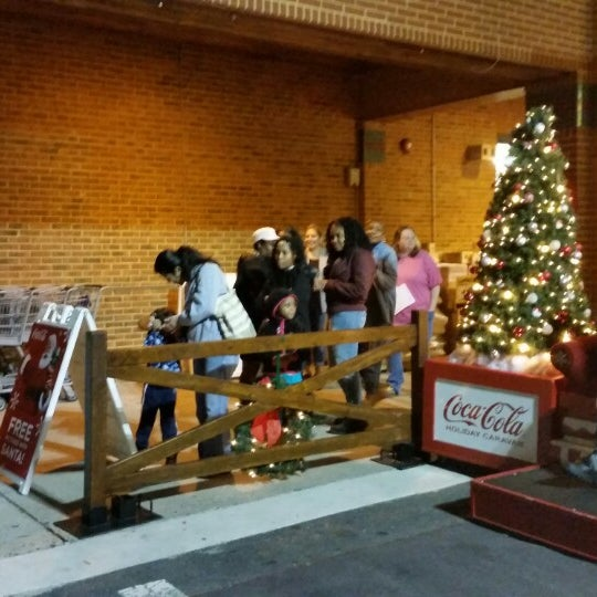 photo taken at food lion grocery store by christa j on 1122 - Food Lion Christmas Eve Hours