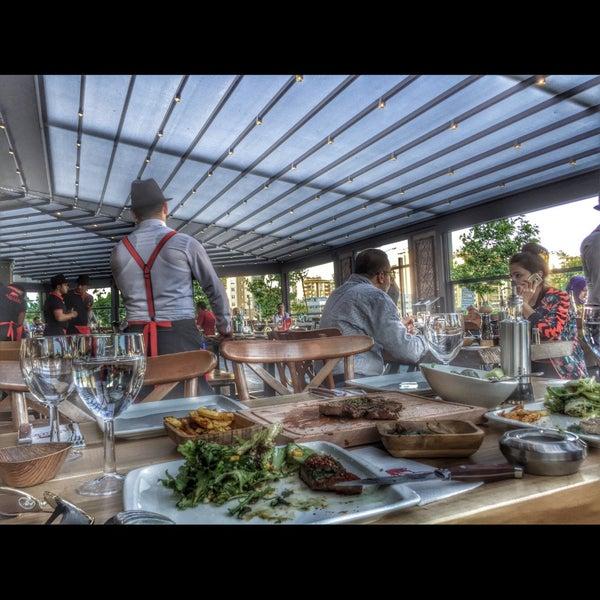 5/19/2016 tarihinde Fatoş B.ziyaretçi tarafından Assado Steak House'de çekilen fotoğraf