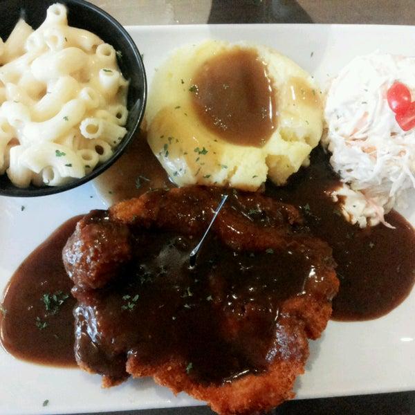 Photo taken at LeBOSS Restaurant by Farah N. on 10/19/2016