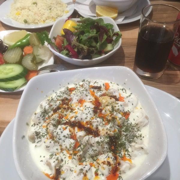 5/28/2016 tarihinde Kaya İ.ziyaretçi tarafından Hala Restaurant'de çekilen fotoğraf