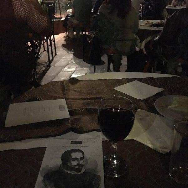 Foto tomada en El Mesón de los Poetas por Lui H. el 4/30/2016