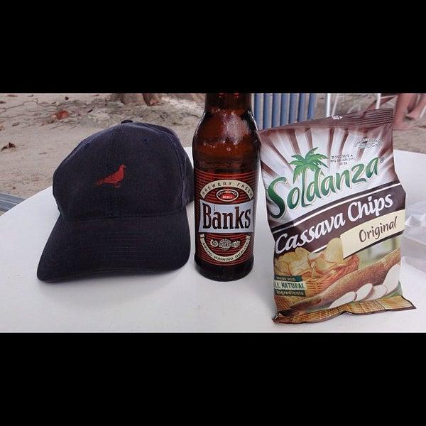 Photo prise au Mr. Delicious Snack Bar par James C. le9/15/2012