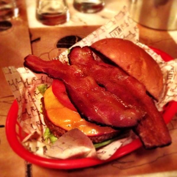 Foto tirada no(a) Meats por Daigo M. em 6/30/2013