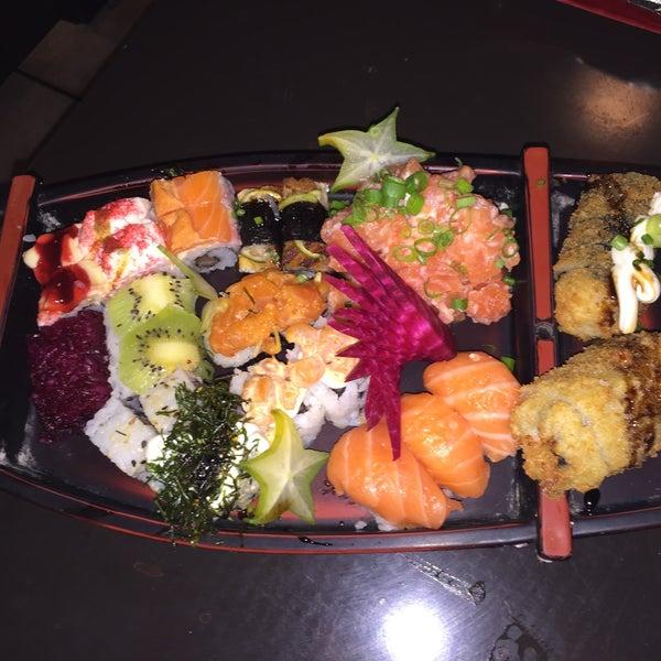 Foto tirada no(a) Hachi Japonese Food por Laís H. em 12/30/2014