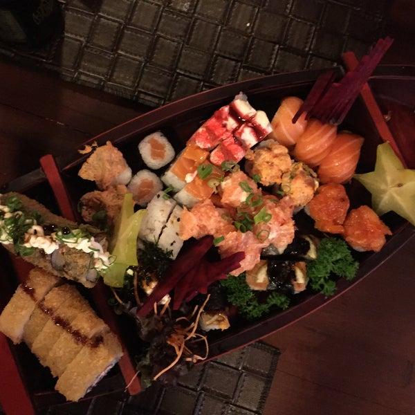 Foto tirada no(a) Hachi Japonese Food por Laís H. em 8/9/2015