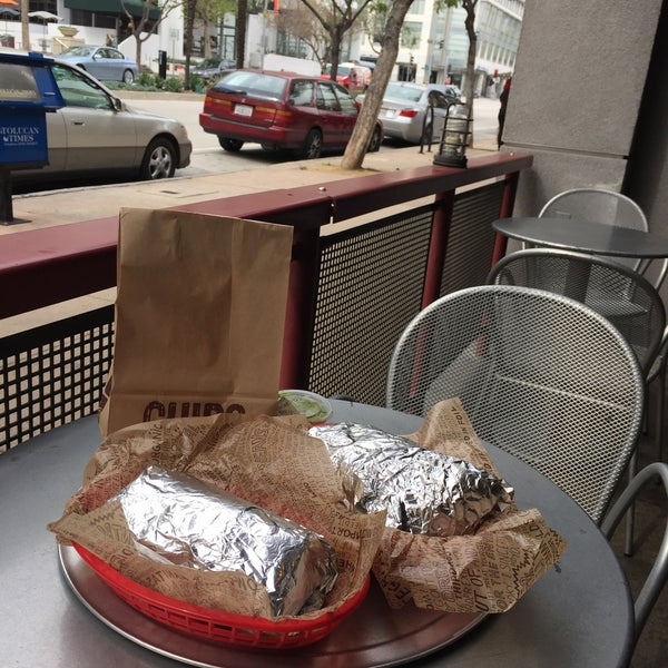 Photo taken at Chipotle Mexican Grill by Noura A. on 3/18/2015