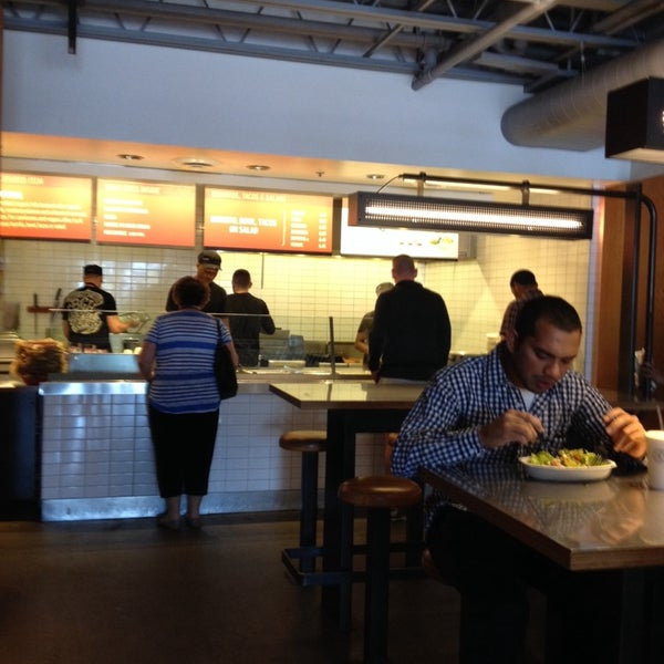 Photo taken at Chipotle Mexican Grill by April B. on 5/14/2014