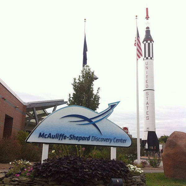 Photo taken at McAuliffe-Shepard Discovery Center by Heather A. on 10/15/2013