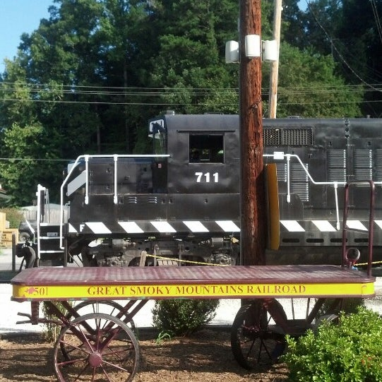 Photo taken at Great Smoky Mountain Railroad by Robin H. on 8/28/2014