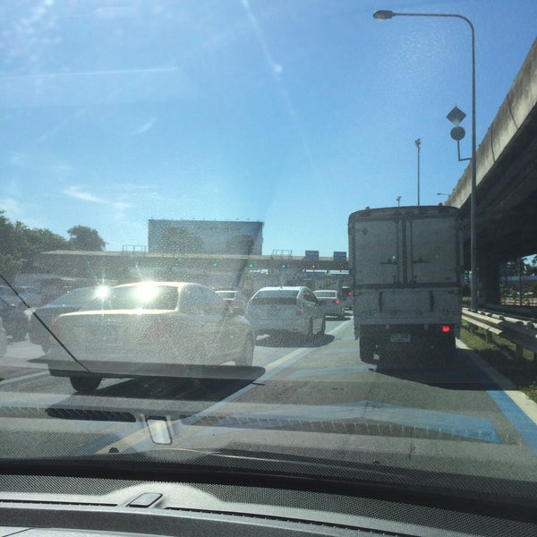 Photo taken at Dao Khanong Toll Plaza by Centtaro on 8/19/2015
